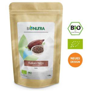 BioNutra Kakao Nibs Bio 500 g in Verpackung auf weissem Grund
